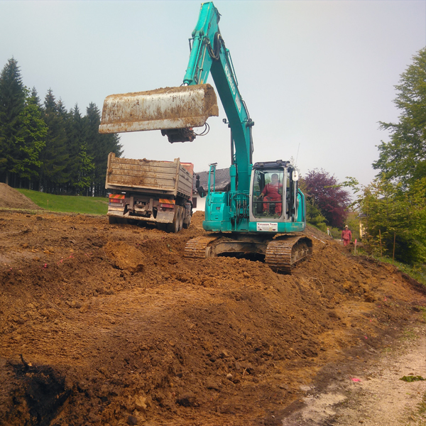 Böschungsausgleich Bodenabtragung Bodenaushub